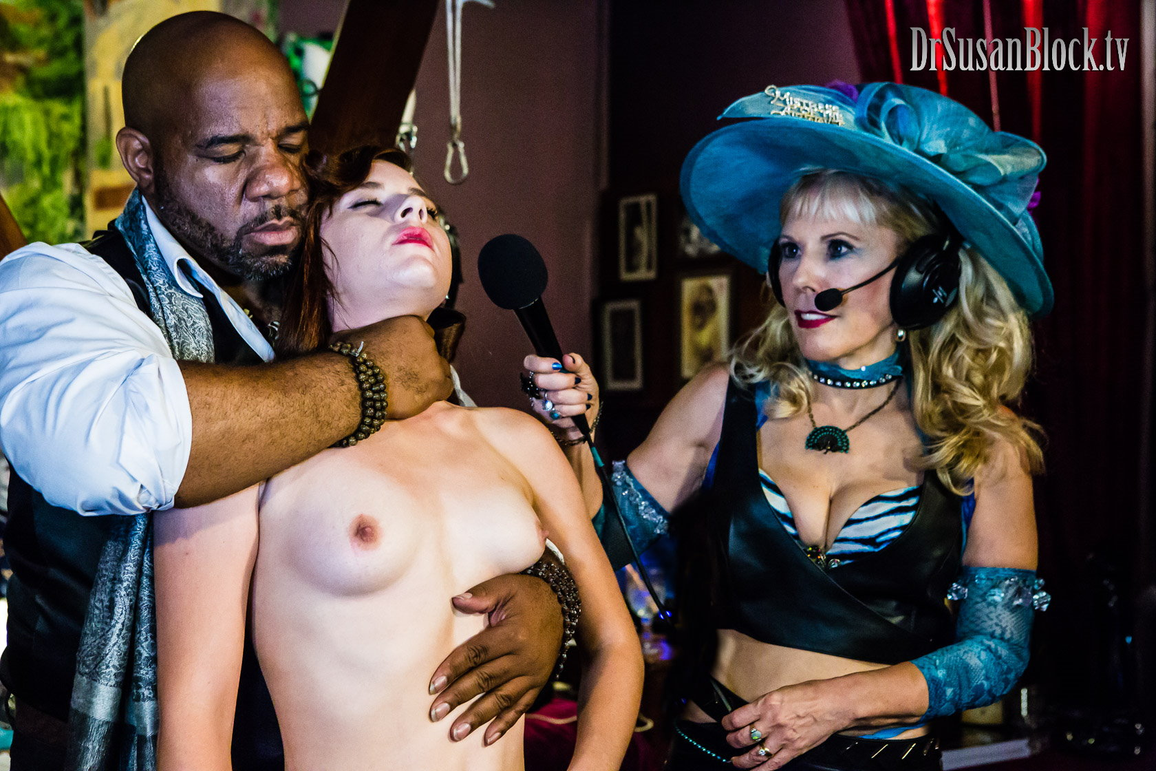 """Don't Try This At Home...or anywhere else. If you're interested in """"choke play"""" study how to do it under an expert like Orpheus Black, here with Audrey Holiday. Photo: Jux Lii"""