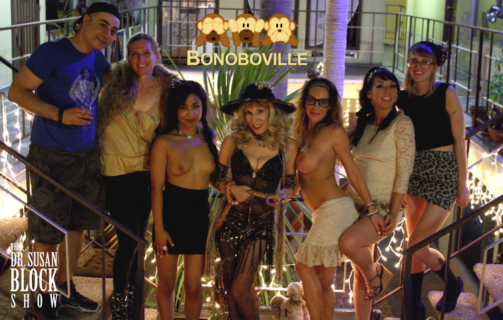 Brock Doom, Tammie Parrot, Loni Legend, Dr. Suzy & Snake Eve, Dayton Rains, Biz Bonobo & Ono Bo in the Garden of Bonoboville. Photo: Unscene Abe