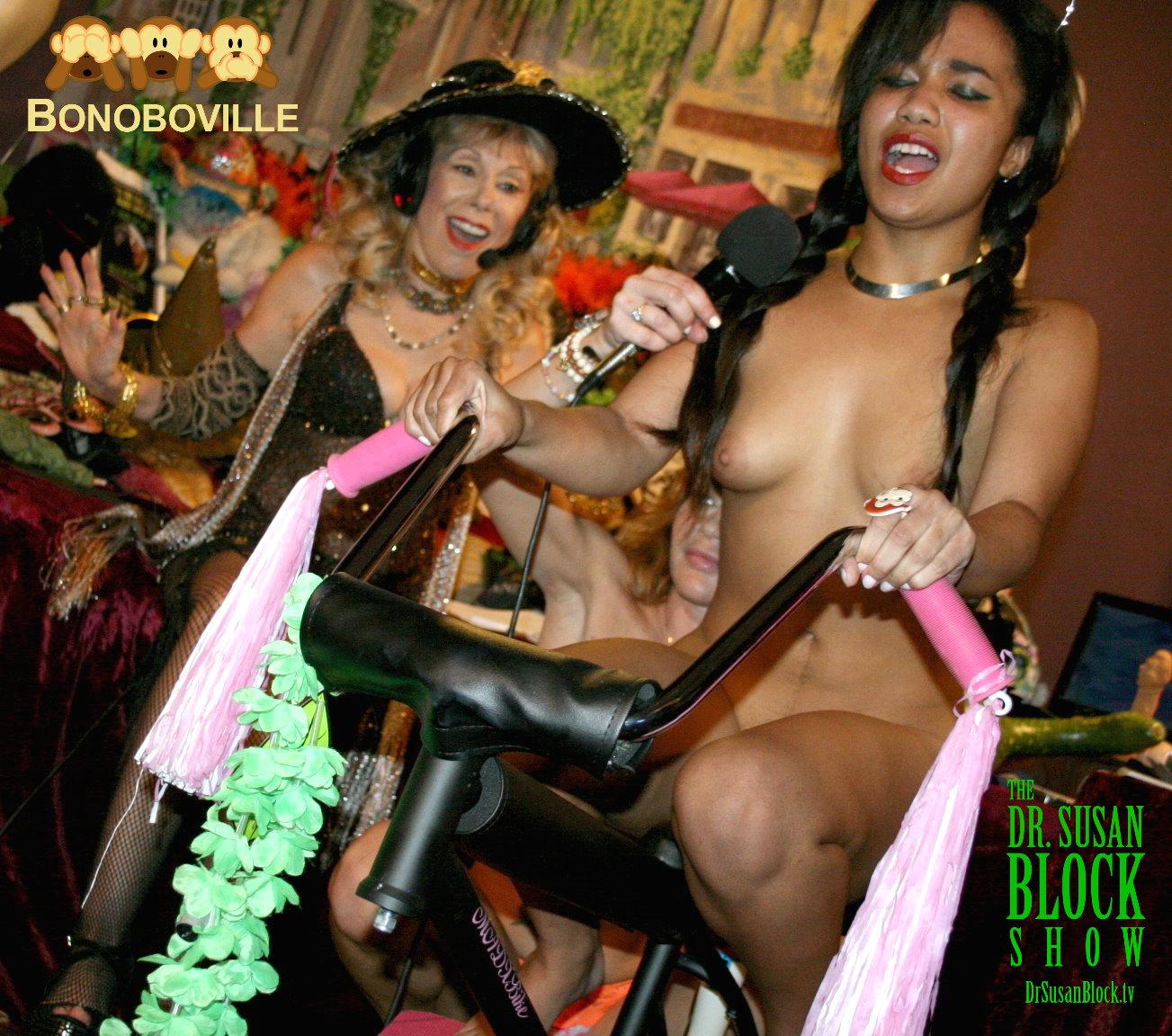 Loni rides the Mad X Bike into ecstasy. Photo: L'Erotique