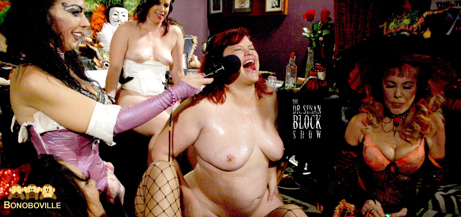 Marcy Diamond rides the Sybian on DrSuzy.Tv. Photo: Ono Bo