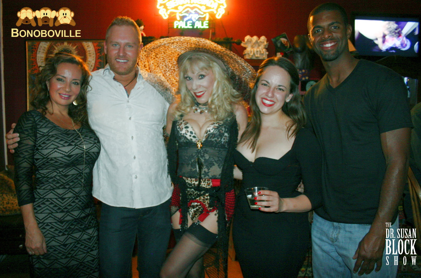 SAR at the Bonoboville Bar. Photo: L'Erotique