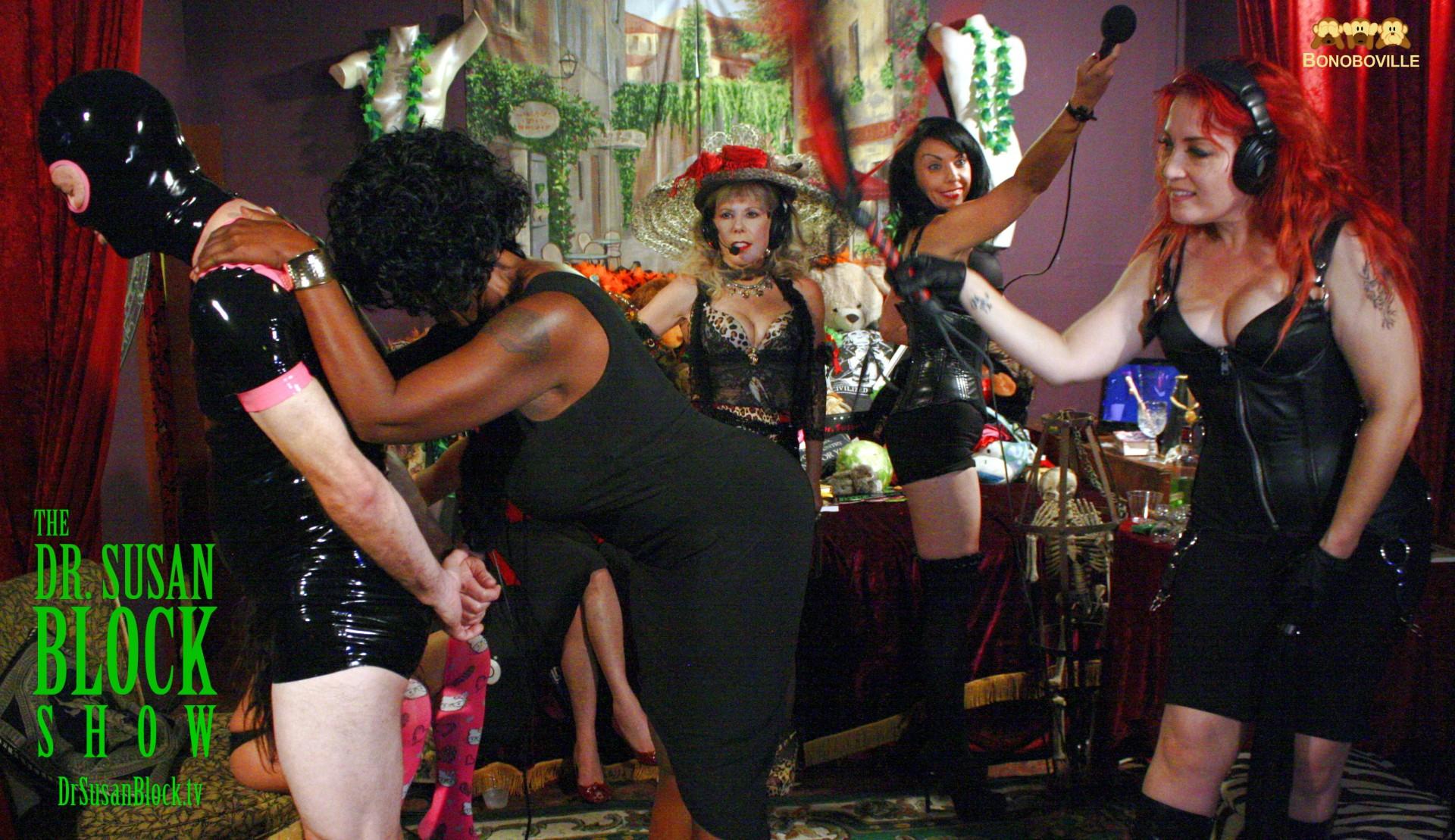 Ms. Hudsy Hawn flogs Bonita. Photo: Ono Bo