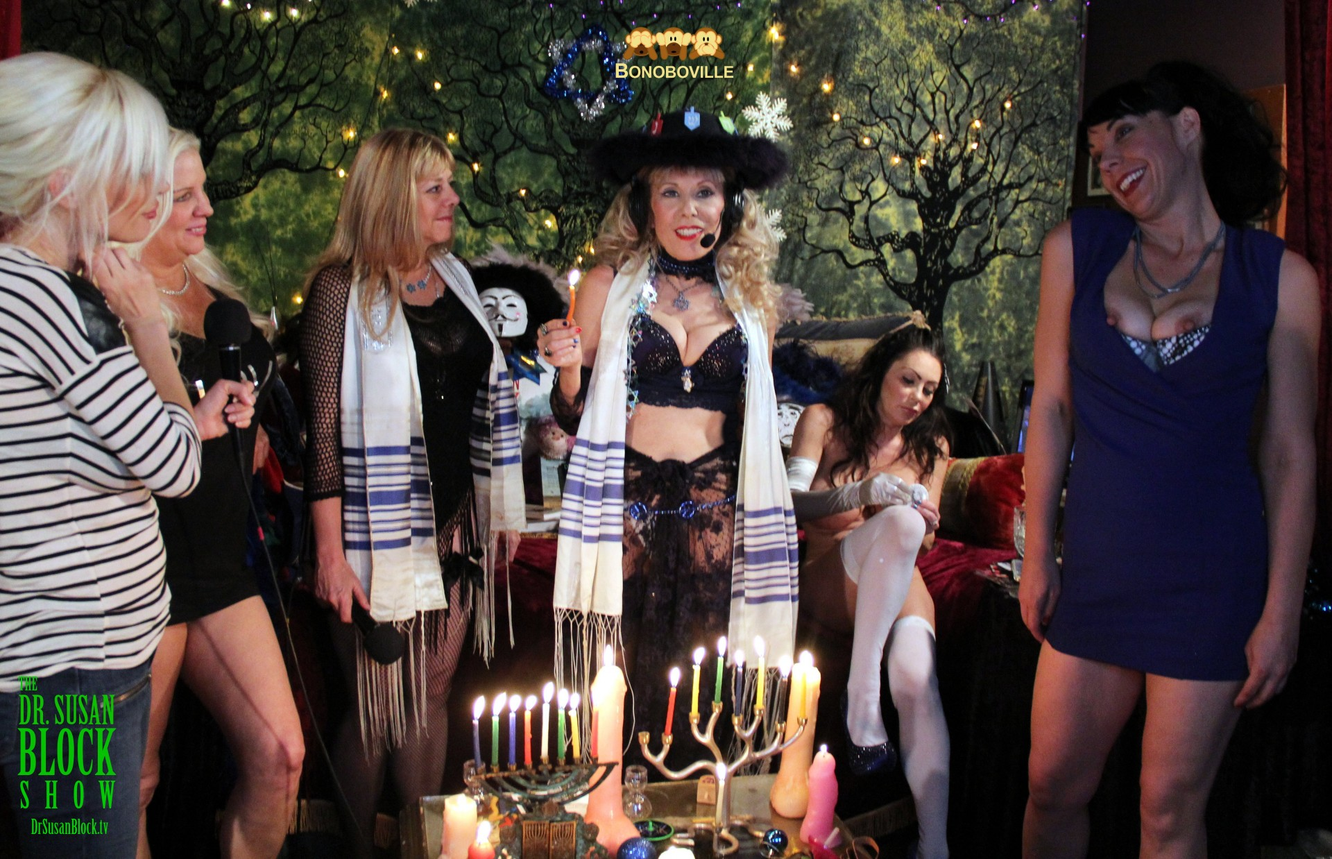 Is that Hillary Clinton joining us for Hanukkah in Bonoboville? Photo: Ono Bo