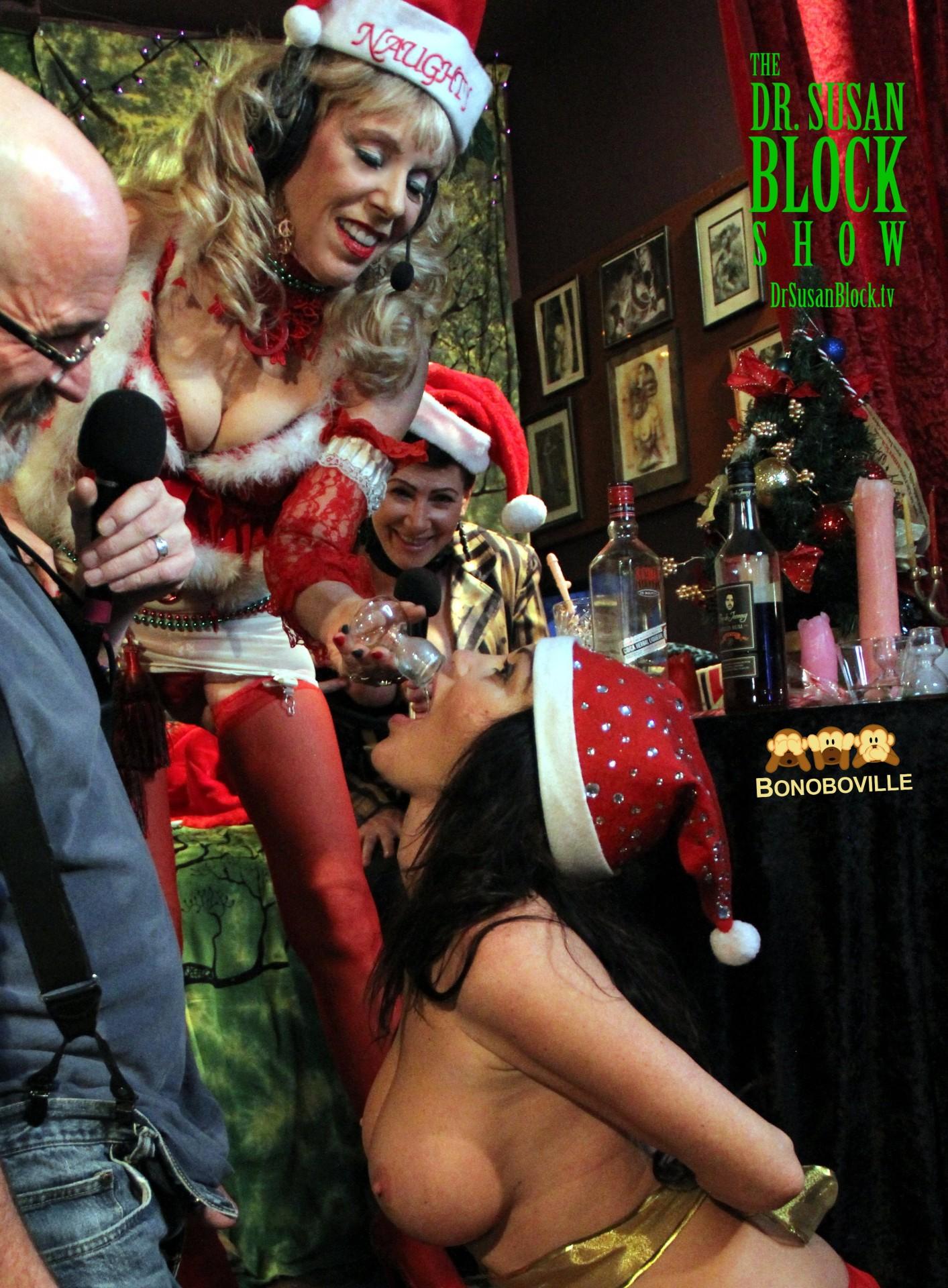 L'erotique provides the Xmax altar. Photo: Ono bo