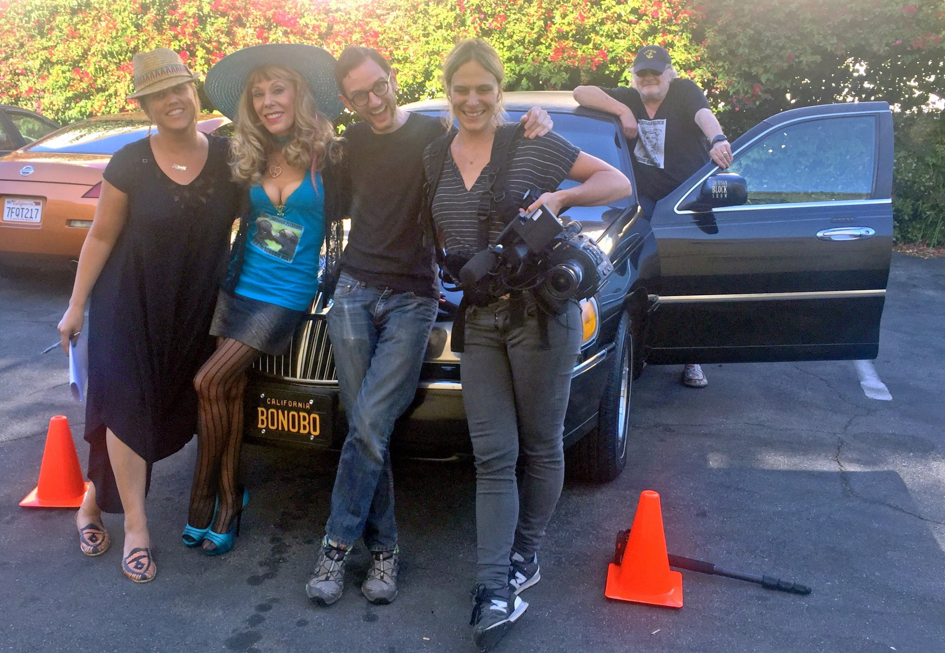 With Heidi, Luzer & the Crew in front of Limo Bonobo.