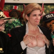 Tara shows her tits for votes