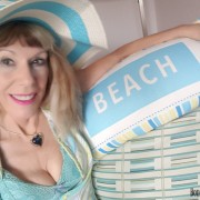 La Playa, Babee!
