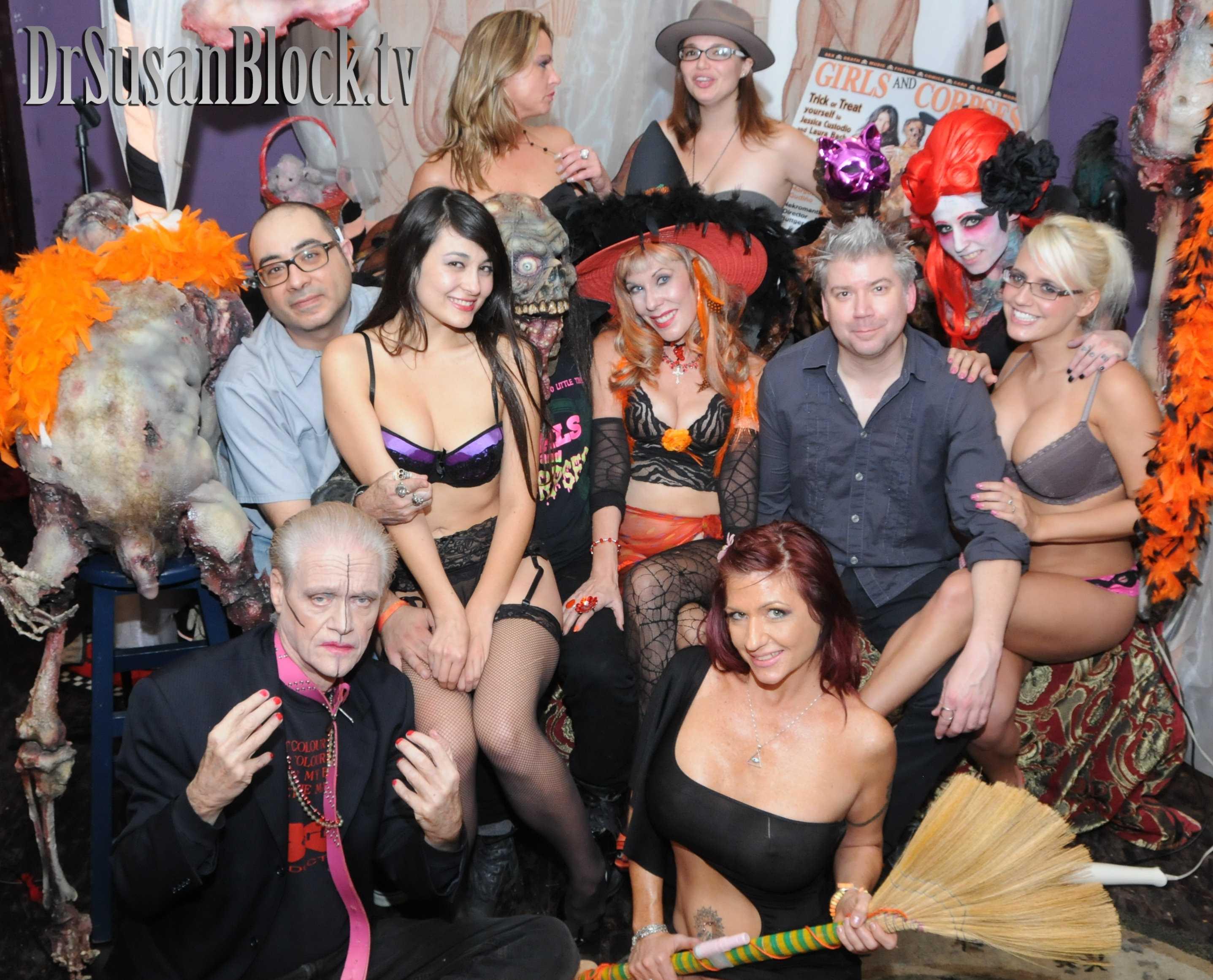 With Kim Fowley, Mr. Exxx, Sophia Jade, Corpsy, Amanda Blow, Daniella, Brittany Blaze, Chris Gore, Brianna Belladonna & Jacky Joy. Photo: Irwin J