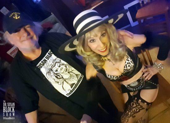 Bad Hombre & Nasty Woman. Selfie