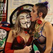 mask-lick_b
