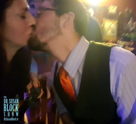 Bar Kiss