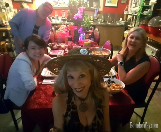 """Trust Women"" in Bonoboville. Photo: Selfie"