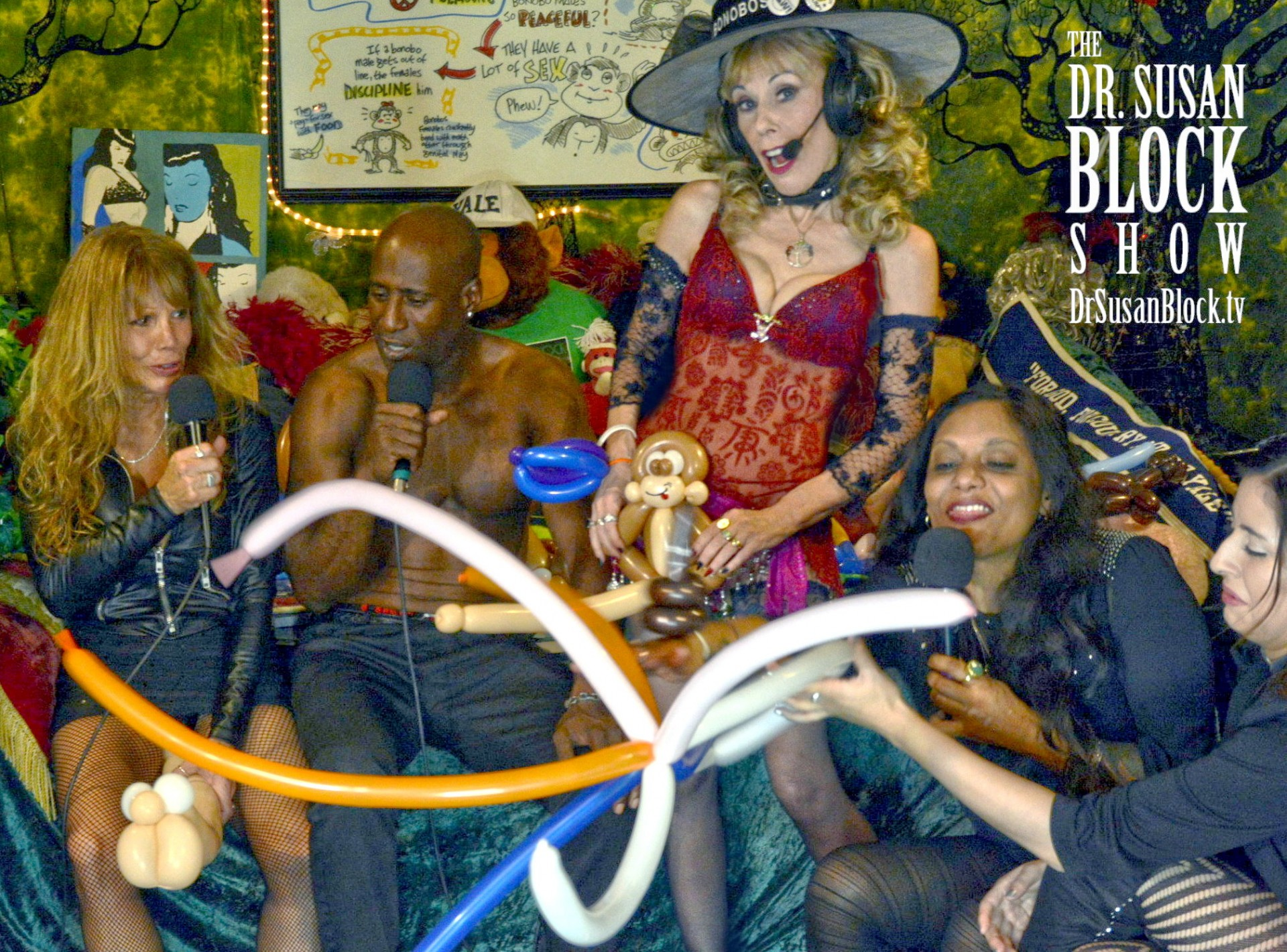 11/11, Bonobo-Style: Christine Dupree, Ikkor the Wolf, Dr. Suzy,  Moushumi Ghose, Rayna Bonobo with, Damion Tong's Big Burlesque Balloon. Photo: Who is Big Mac