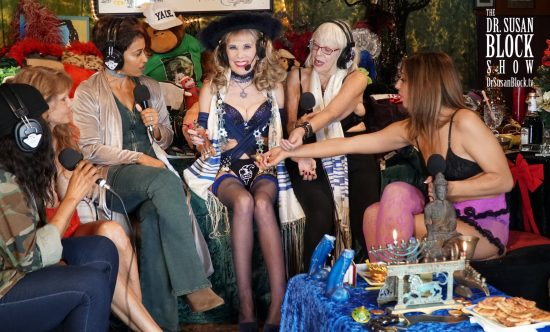 Sharing Lady Tuezdae's Perfume with the Ladies of Bonoboville. Photo: Russell Thomas