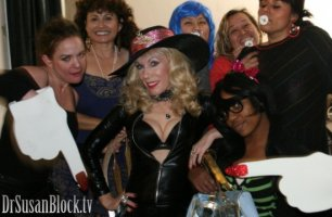 Striptease Therapy LiVE from Bonoboville @ LAXXX