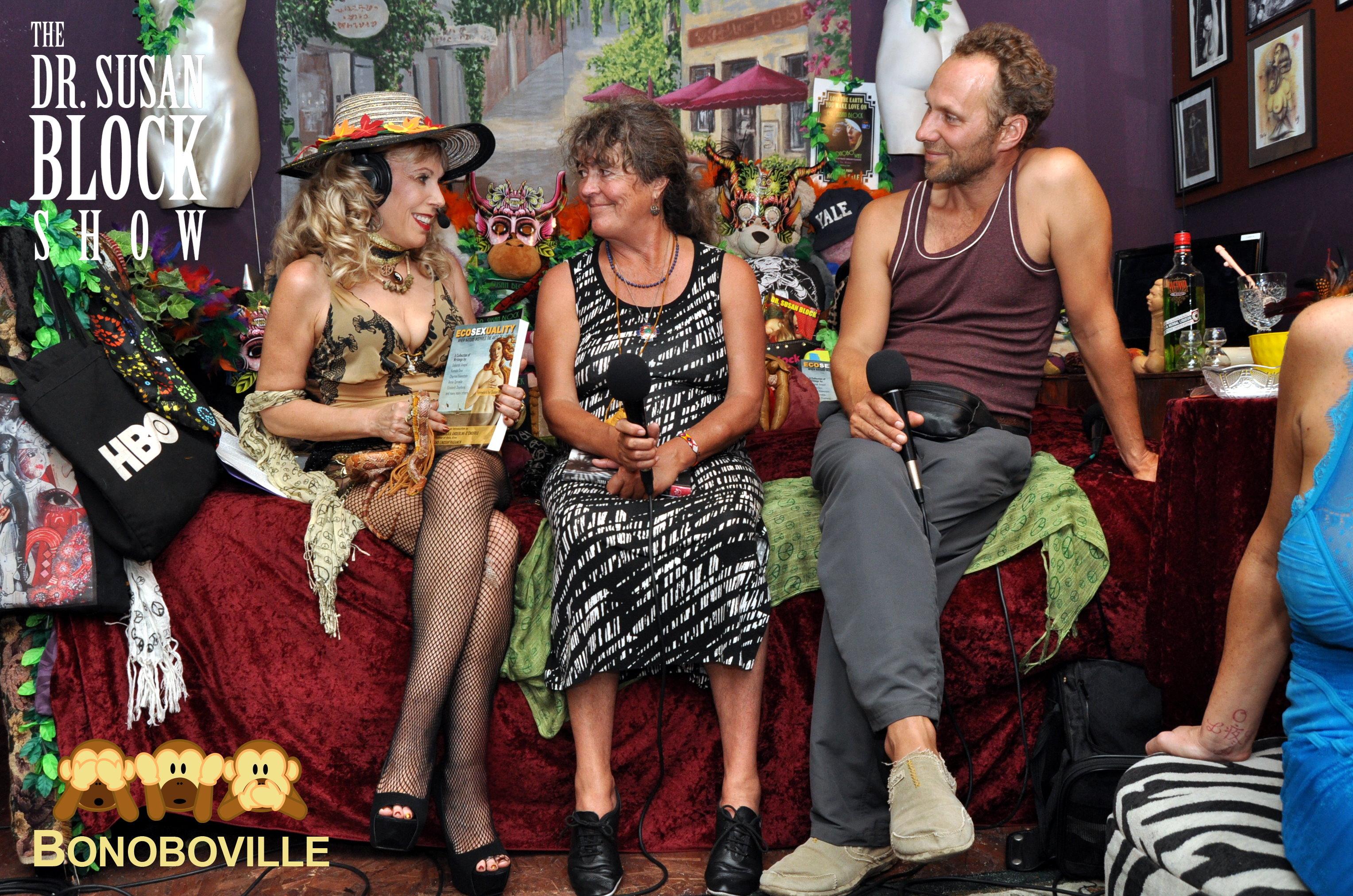 Talking about Ecosexuality with Tamera & Terra Nova leaders Sabine Lichtenfels & Benjamin von Mendelssohn. Photo: RingoShotYou