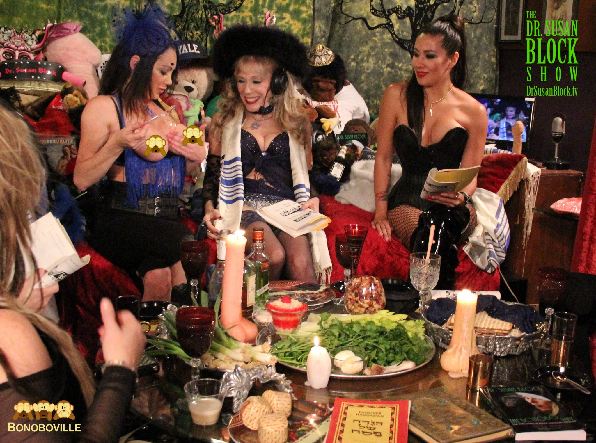Sexy Seder in Bonoboville for Passover 2016