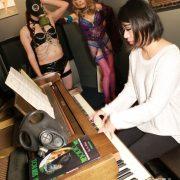 GasMaskGirl Pianist