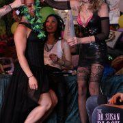 Mistress Liz Gets Lei'ed!