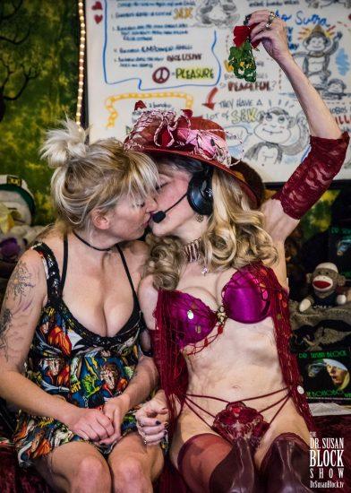A Juici Kiss Under the Mistletoe. Photo: Jux Lii