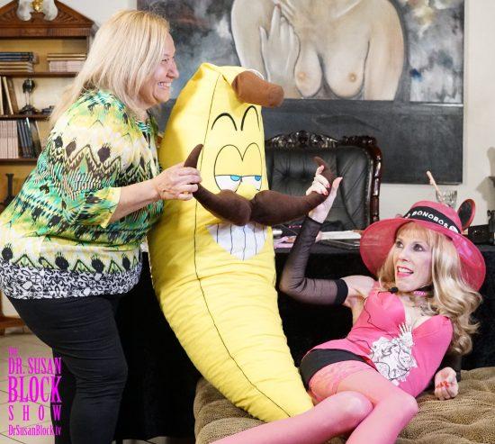 Ana, Banana & Dr. Susana. Photo: Don Juan